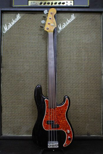 fender precision bass fretless factory black 1970
